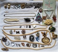 Assorted Jewelry 1 Lot