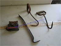 HAY HOOKS AND PRY BAR & BANK
