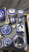 Blue Willow And Blue And White Dishes Approx 146