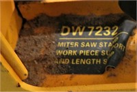 """DEWALT 12""""DBL BEVEL COMPOUND MITER SAW*STAND*TOOLS"""