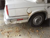 1989 Chrysler New Yorker, 160,3627 miles has rust