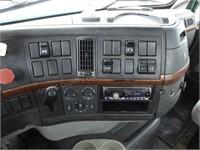 2004 Volvo Semi