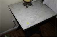 MARBLE TOP OCCASIONAL TABLE, 22x22x30""