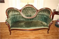 VICTORIAN ROSE CARVED SOFA