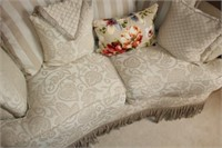 LOVE SEAT AND ACCENT PILLOWS