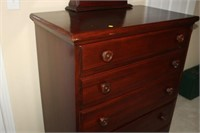 DAVIS CABINET CO. CHEST OF DRAWERS, DETACHED MIRRO