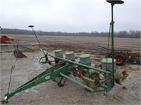 John Deere 494A  Row Planter