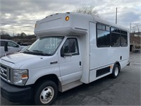 2016 Ford E450 14 Pass Bus