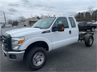 2015 Ford F350 4x4 Cab Chassis