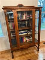 Nice antique oak display cabinet, many civil war books