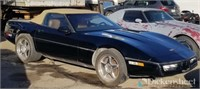 1989 & 1977 Chevrolet Corvettes