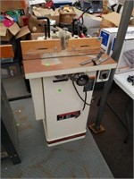 Jet 1.5hp closed stand shaper working