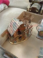 Tin music box decor