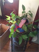 3 houseplants, stands not included