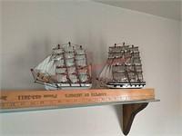 2 model ships