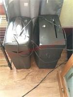 2 paper shredders