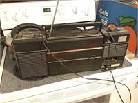 Magnavox radio