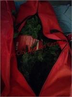 Pre lit tree & garland