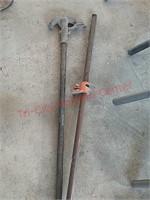 Conduit bender, pipe clamp