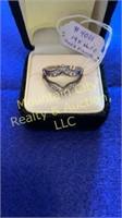 Ladies 14 karat white gold ring