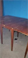 Gate leg dining room table