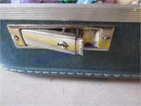 VINTAGE PENNEYS SUITCASE W/ KIDS MEAL TOYS