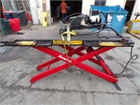 Snap On Lift EELR338A
