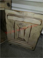 >Rustic looking side table 1 of 4 pc set. - each