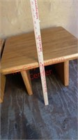 >>Set of 2 Solid Wood  End Tables