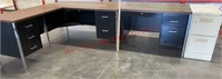 >>Large Office Desk Lot. 4 pc.