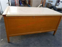 >>Solid wood formica top office desk