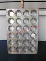 3-Aluminum 24 cup muffin pans 14 X 20 Heavy Duty