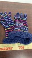 New Kid's cat & Jack Hat & Gloves Set