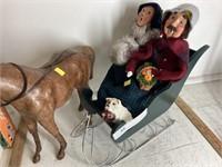 Byers' Choice Sleigh w/2 Figurines & Horse