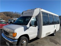 2006 Ford E450 12 Pass Bus