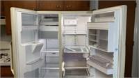 Amana Side by Side Refrigerator / Freezer