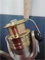 New Daiwa SweepFire 2500B Fishing Reel
