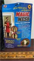 Magic Mesh Hands Free Screen Door & Popetpop