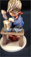 Online Only Consignment Auction Hummels, Lladro ++
