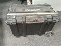 Large husky lockable tote w/wheels