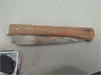 3 knives, folding saw