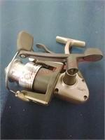 Quantum Hypercast II HC2 Fishing Reel & cover