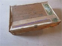 WOOD CIGAR BOX OF VALENTINES