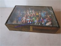 DISPLAY CASE WITH ACTION FIGURES