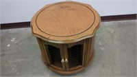 Beautiful wood crafted end table with hinged doors