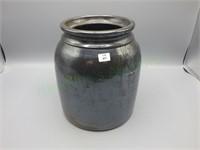 Unique vintage handmade ceramic crock!