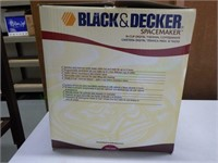 Under-cabinet Black & Decker Digital coffee maker