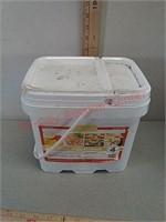 Lindon farms prepper emergency food MRE kit