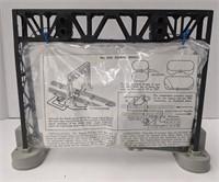 Lionel No. 450 Signal bridge for miniature train
