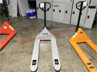 Strongway Pallet Jack